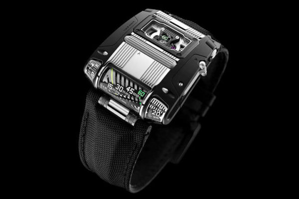 The Pioneering URWERK UR-111C Two-Tone